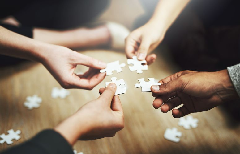 Gesellschaftlicher Zusammenhalt (c) iStock by Getty Images | PeopleImages